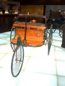 Foto des ersten Autos - Der Benz Patent-Motorwagen Nummer 1
